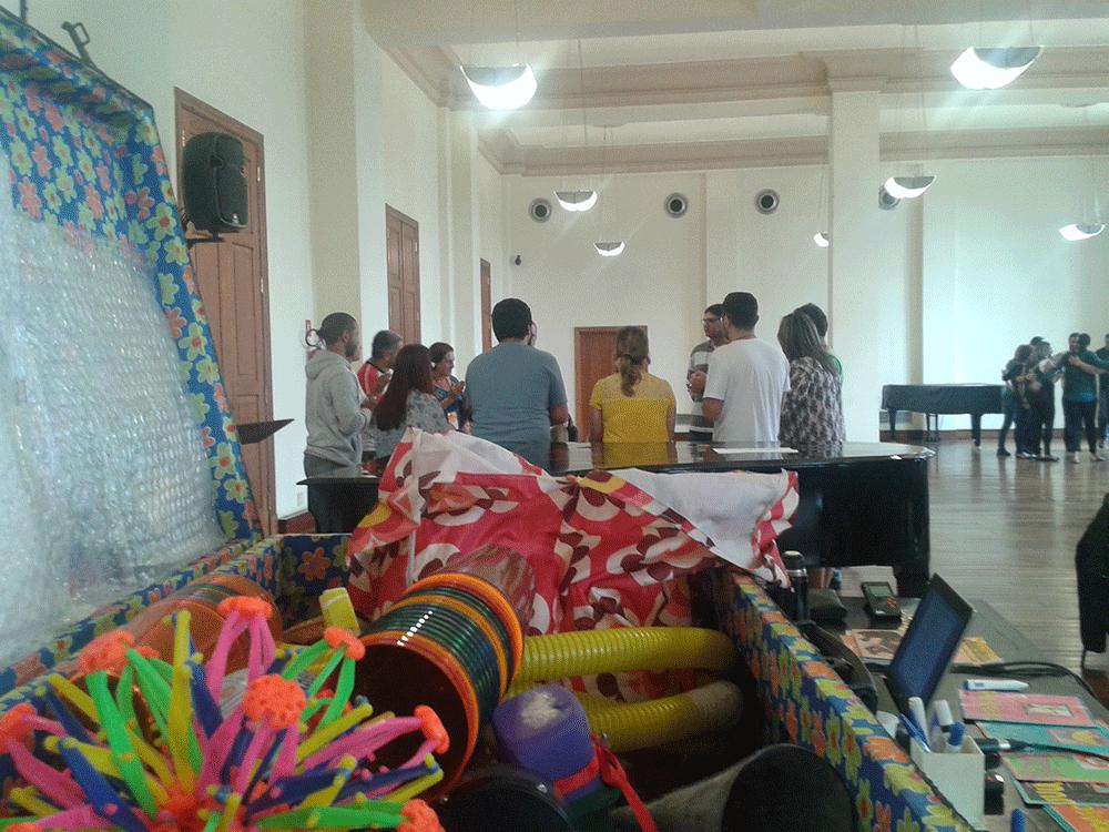 Rodas, festejos e aprendizados musicais decoloniais
